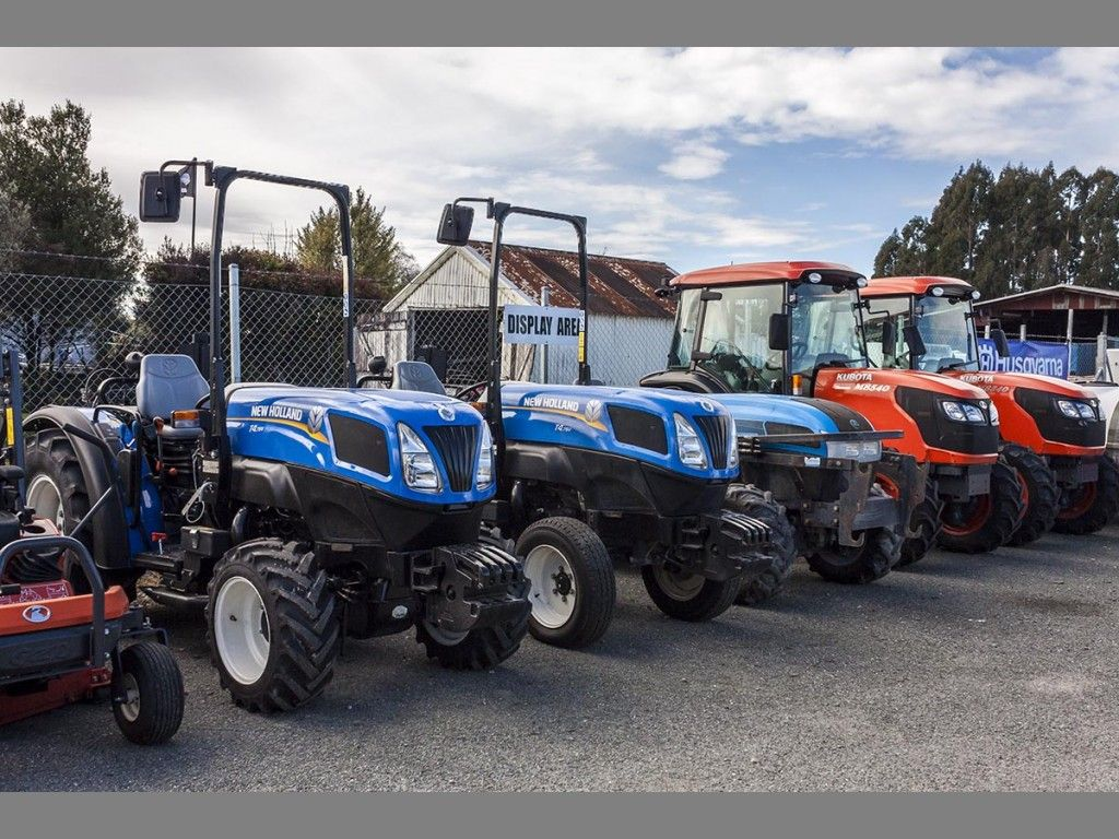 New Holland & Kubota Display
